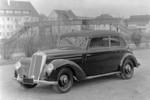 Anfang der fünfziger Jahre war für die allermeisten Deutschen ein Auto unerreichbar. Ein 220er, auch noch als Cabriolet? Der kostete so viel wie rund vier VW Käfer!