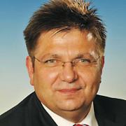 Uwe Gehrmann, Prokurist des VW-Autohauses Wicke, kämpft mit steigenden Neuwagenrabatten. Für ihn ist insbesondere die Entwicklung des Golf 7 entscheidend.