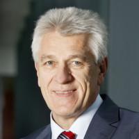 """Gerhard Steiger: """"Assistenzsysteme steigern die Sicherheit und den Komfort im Auto"""""""