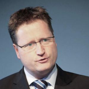"""Dr. Klaus Bonhoff: """"Die internationale Kooperation namhafter Automobilhersteller bei der Entwicklung von Brennstoffzellen-Antrieben unterstreicht die Ernsthaftigkeit der Industrie, den Markteintritt mit signifikanten Stückzahlen vorzubereiten"""""""