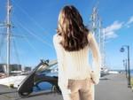 Futuristisches Design: der Elektroroller MOVEO lässt für einen bequemen Transport sich teilen und falten