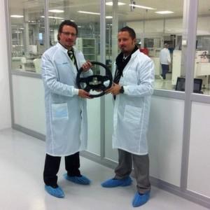 Gemeinsam am Steuer für die Sicherheit: Jochen Würtele/Metallux AG (links) und Deniz Güzelocak/Munich Technology Group