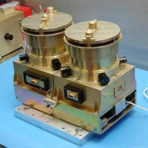 """MILENA, der """"Miniaturized Low-energy Energetic Neutral Atom imager"""", ist das wichtigste Forschungsgerät der VISIONS-Mission. Das Gerät soll den Weg der Sauerstoffatome in der oberen Atmosphäre kartografieren."""