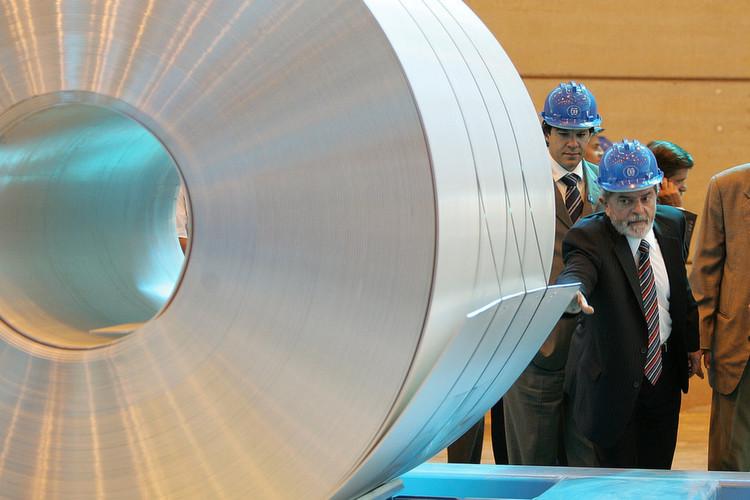 Aluminium: Die Risikoklasse ist mittel. Einsatzfelder: Luft- und Raumfahrt, Fahrzeugbau, Elektroindustrie, Verpackungen. Zukunftsrelevan: Mittelhoch wegen der