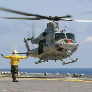 Der Helikopter Bell UH-1Y ist die aktuelle Variante des bewährten US-Mehrzweckhubschraubers. Die Avionik umfasst ein modernes Glas-Cockpit und ein Infrarot-Aufklärungs- und Zielsystem.