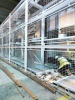 Bei der Installation des ersten Rechenzentrums von Verne Global in Island: es erhält in 400-Quadratmeter-Einheiten einen Doppelboden.