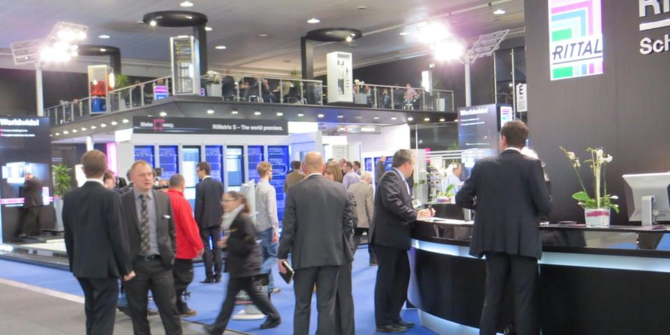 Ein Messe-Klassiker war der Rittal-Stand: Full House auf 2.000 Quadratmeter Ausstellungsfläche.