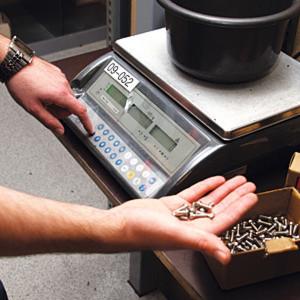 Für den Schraubengroßhändler Max Mothes war das Umstellen der Inventur auf das Stichprobenverfahren eine naheliegende Lösung, Geld zu sparen.