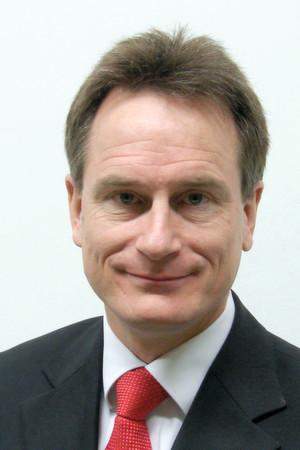 Prof. Dr. Jörg Franke vom Lehrstuhl für Fertigungsautomatisierung und Produktionssystematik der Universität Erlangen-Nürnberg ist in den Clustervorstand gewählt worden.