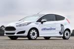 Äußerlich auf den ersten Blick ein Ford Fiesta, unter dem Blech oder besser innerhalb der Felgen steckt neuentwickelte Antriebstechnik: ...