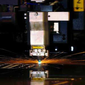 Faserlaser erobern seit Jahren mehr und mehr das Terrain, das bis dato den CO2-Lasersystemen vorbehalten war.