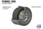 Der Schwungradspeicher besteht im Kern aus einem Kohlefaser-Schwungrad, das sich im Vakuum dreht. Beim Bremsen des Fahrzeuges ...