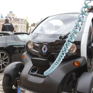 Ob Renault Twizy oder Tesla Roadster: Leistungshalbleiter sind in Hybrid- und Elektroautos wie hier bei der letztjährigen Bertha Benz Challenge unverzichtbar