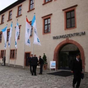 Das Jahrestreffen der Reaktionstechniker von Processnet in der Festung Marienberg in Würzburg war auch dieses Jahr gut besucht.