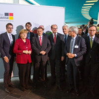 Merkel informiert sich über Schaufenster Elektromobilität