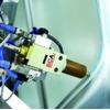 Datenaustausch von Klebesystem und Roboter sorgt für bahngenauen Auftrag