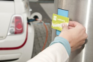e-clearing.net ermöglicht eine europaweit funktionsfähige offene Lösung für grenzüberschreitendes Laden von Elektroautos.