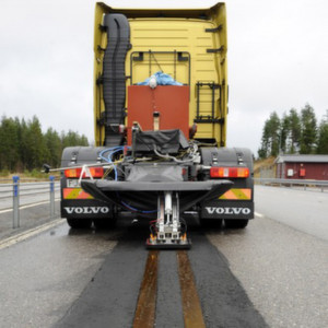 Auf einer 400 m langen Teststrecke bei Götheborg testet Volvo das Stromschienensystem seit Herbst letzten Jahres