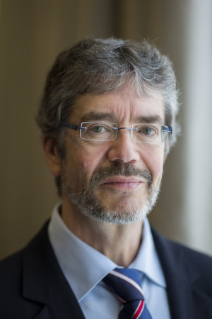 """""""Trotz rückläufiger Zahlen wird Deutschland mit derzeit etwa 9 Prozent des Weltmarktes der größte Markt für LSR-Produkte in Europa bleiben"""", so Dr. Peter Quick, Vorstandsmitglied im VDGH und Vorsitzender des Ausschusses Marktforschung."""