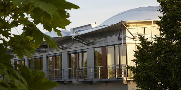 Mit dem Energy Efficiency Center will das Zentrum für Angewandte Energieforschung Bayern e. V. zeigen, was bei der Gebäude-Energieeffizienz alles möglicht ist.