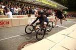 Nachhaltige Design-Flitzer machen Tempo: Die zwölf Teams aus Deutschland und der Schweiz drehten mit ihren federleichten Gefährten auf und lieferten sich ein packendes Rennen.