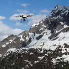 Miniatur-Drone gelingt Alpen-Überquerung