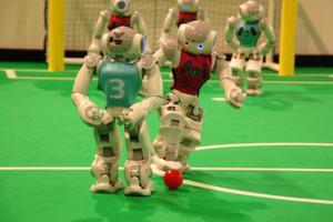 Das Bremer Team B-Human (in rot) erkämpft sich den WM-Titel zurück.