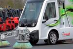 Die Hybrid-Kehrmaschine Val´Air mit elektrischem Fahrantrieb von Linde MH eignet sich vor allem für den Einsatz in Innenstädten und auf Werksgeländen.