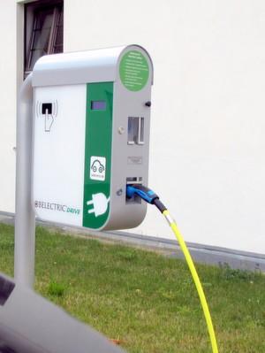 ladenetz.de und Belectric Drive kooperieren für öffentlichen Ladeinfrastruktur und Roaming.