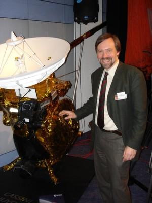 Der Würzburger Professor Klaus Schilling ist Koordinator der ACA-Konferenz und war an mehreren interplanetaren Satellitenmissionen, wie hier Cassini-Huygens zum Saturn, federführend beteiligt.