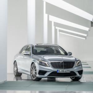 Mercedes-Rückrufe: Kopfstützen und Kabelsätze