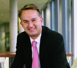 Hat angesichts der Zahlen von 2006 gut lachen: Cancom-Chef Klaus Weinmann.