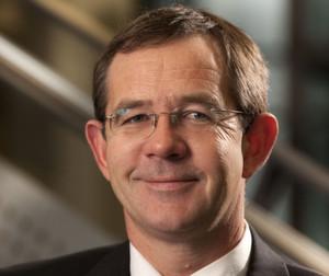 """Dr. Andreas Gutsch: """"Ab sofort sind alle interessierten Unternehmen mit Wertschöpfung in Deutschland eingeladen, die einzigartigen Möglichkeiten dieser Forschungsfabrik zu nutzen."""""""