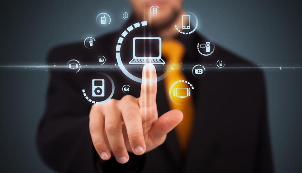 Ein Mobile Device Management ist mehr als eine Asset-Management oder Investory; es ermöglicht die Kontrolle und Steuerung von einer Konsole aus, etwa um Compliance-Richtlinien einhalten zu können oder den Rollout von Patches zu vereinfachen.