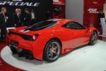 Ferrari zeigt eine verfeinerte Version des 458. Neue Aerodynamik-Elemente und der auf 605 PS leistungsgesteigerte 4,5-Liter V8 mit der angeblich höchsten Literleistung eines zugelassenen Saugmotors machen den 458 Speciale zur absoluten Fahrmaschine.