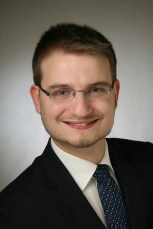 """Matthias Lanzrath: """"Mit dem Aufkommen der brauchbaren Server Virtualisierung unter """"ESX 3.0"""" begannen die ersten spannenden Versuche mit VMware VDI."""""""