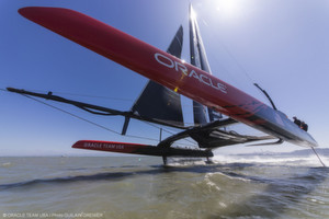 Segelst du noch oder fliegst du schon: Die AC72 des Teams Oracle