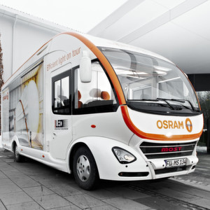 Futuristisches Outfit: der Showtruck von Most Mobile Specials, mit dem Osram in 13 Ländern unterwegs war.