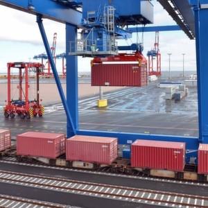 Das Eisenbahnverkehrsunternehmen e.g.o.o. hat den Jadeweserport mit einer wöchentlichen Anfahrt in sein bundesweites Streckennetz aufgenommen.