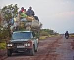Schmuggel: Gemüse und Bananen sollen verschleiern, dass dieser Lieferwagen wertvolle Metallerze transportiert.