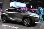 Das kompakte Crossover-Konzeptfahrzeug LF-NX feierte auf der IAA seine Weltpremiere. Mit dem Fahrzeug testet Lexus die Publikumsreaktionen auf einen möglichen kompakten SUV.
