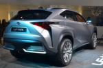 Angetrieben wird der Lexus LF-NX von einer auf die SUV-Belange neuen Variante des bekannten Lexus-Vollhybridantriebs.