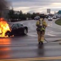 Brennender Tesla S droht E-Antrieb in Verruf zu bringen