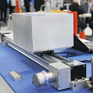 Das pneumatische Positioniersystem kann mehrere Zwischenpositionen ansteuern – kostengünstig und mit einer Genauigkeit von ±2 mm.