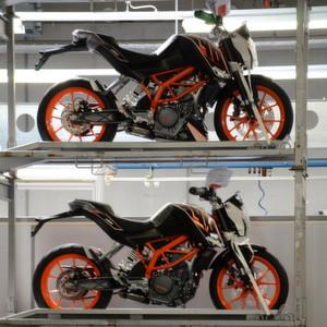 Ein Teil des Motorrad-Lagers bei KTM in Mattighofen...