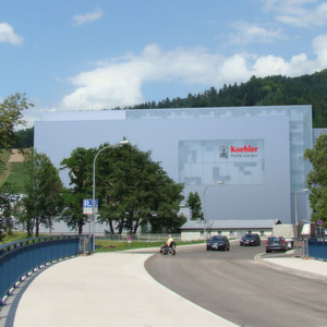 Aberle soll mit einem fünfgassigen Hochregallager mit über 20.000 Stellplätzen die Lagerkapazitäten des Papierherstellers August Koehler SE am Standort Oberkirch konsolidieren.