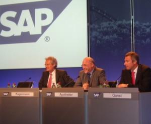 Die Firmenlenker der SAP auf dem Podium.