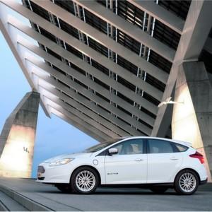 Der erste in Deutschland erhältliche, rein batterie-elektrische Ford-Pkw ist der neue Ford Focus Electric.