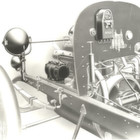 1913 betrieb erstmals ein Generator einen elektrischen Scheinwerfer im Auto