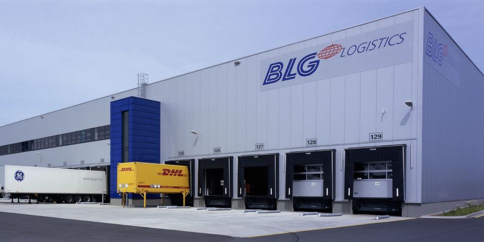 Sortergebäude: Hier hält ein Behälterpuffer bis zu 13.500 Behälter vor und führt die Aufträge zusammen.